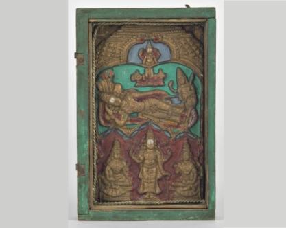 Museo Civico Medievale - teca con Vishnu sul serpente Ananta (f. Mario Guglielmo)
