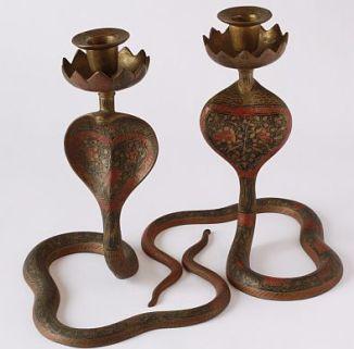 Museo Etnografico Missionario - Coppia di candelabri a forma di serpente (f. Luca Villa)